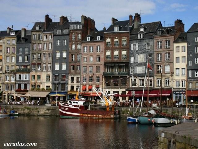 Photos de france nord de la loire vieux bassin - Le bistrot du port honfleur ...