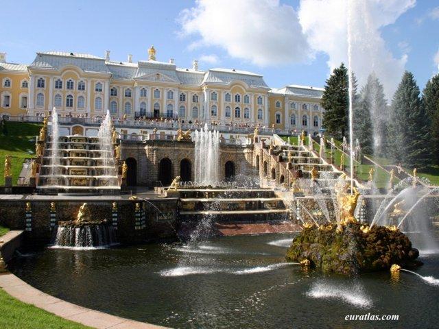 http://www.euratlas.com/Atlas/russia/peterhof_palace.jpg