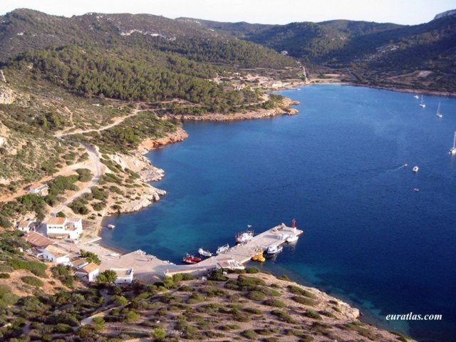 Le port de l'île de Cabrera, les Balérares - Espagne.